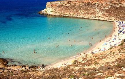 spiaggia%20dei%20conigli%20lampedusa_0.jpg