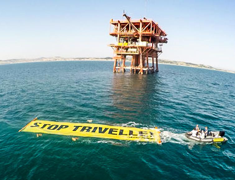 stop%20trivelle%20greenpeace-4_0.jpg
